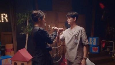 1602479620 880 Korejskaya drama eto normalno byt mozhet Kdrama pocelui - Корейская дорама: Псих, но все в порядке